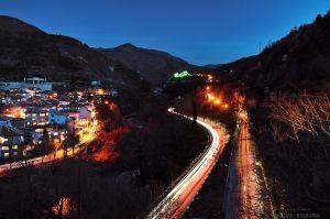 Пътят към Асенова крепост слез залез (гр. Асеновград)