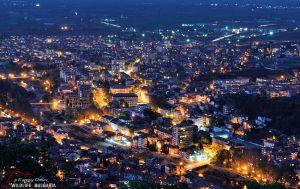 Гледка към Асеновград по изгрев. Параклис Св. Димитър